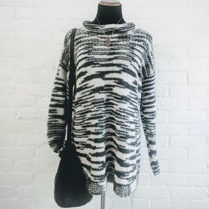 Ecote Chunky Sweater Black and White